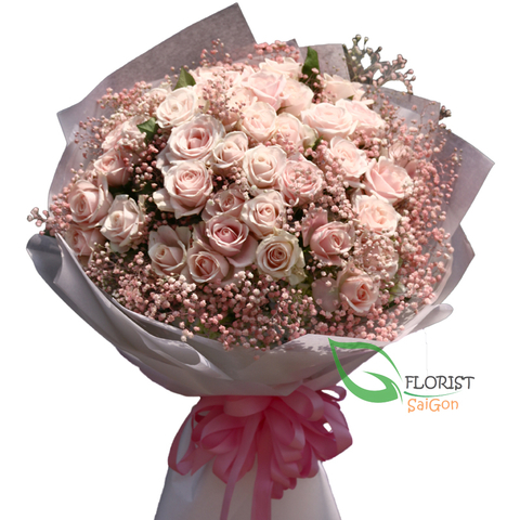 Love flowers with pink roses in Saigon