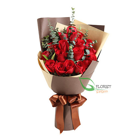 Bouquet flowers with red roses
