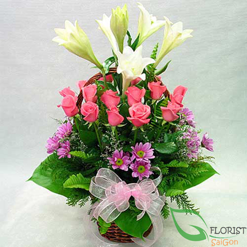 Flower arrangement delivery