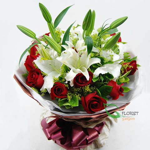 White and red flower bouquet