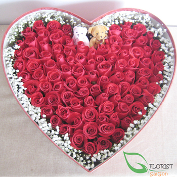 Box of 99 red roses