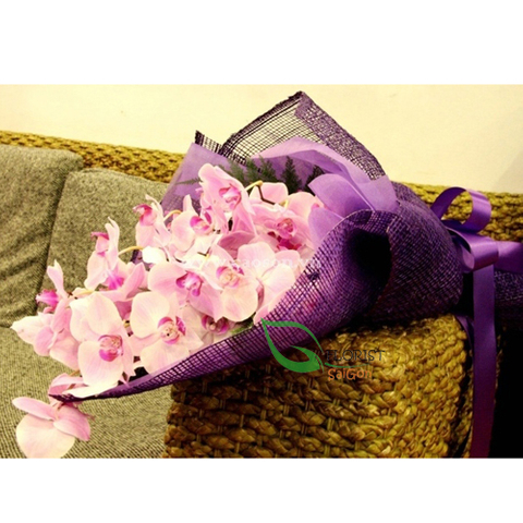 Purple orchid bouquet for delivery in HCM city