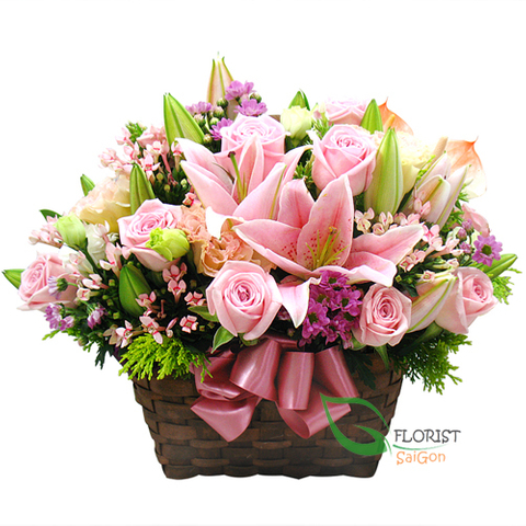 Pink flowers arrangement