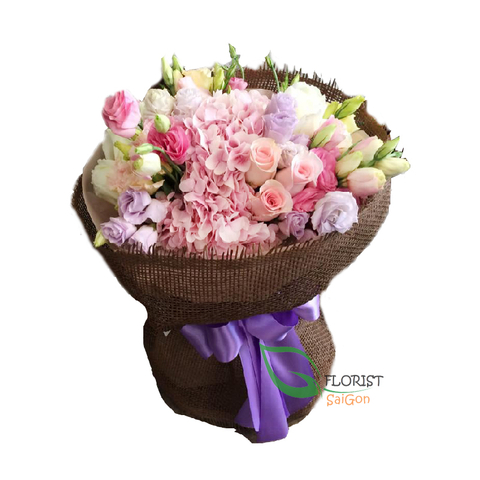 Sweet flower bouquet for her
