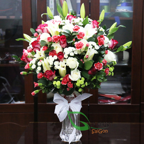 Lilies and roses for Christmas