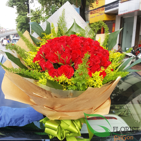 Send love flowers to girlfriend in Saigon