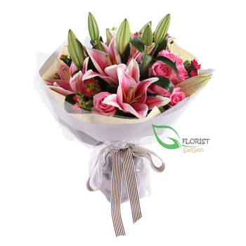 Bouquet of pink lilies online delivery