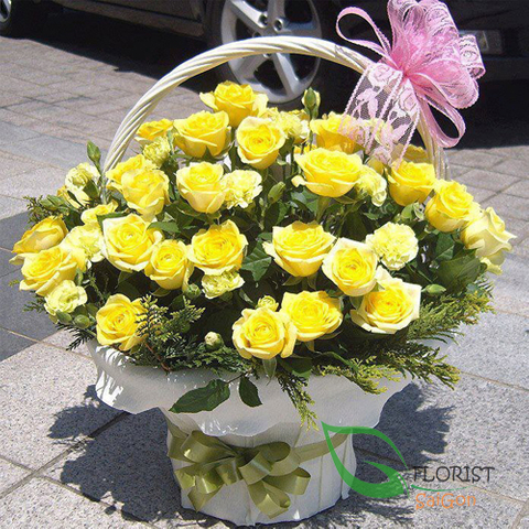 Birthday flowers of yellow roses in HCM city