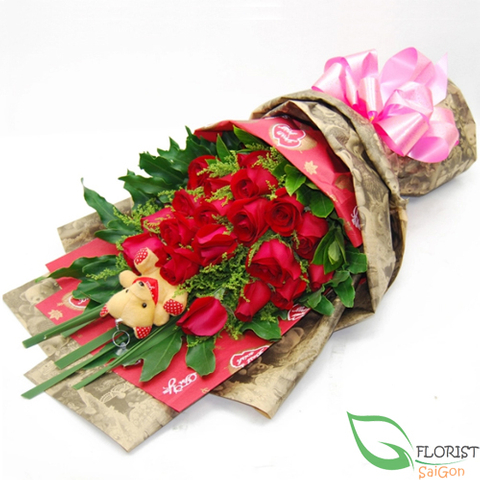 Red roses bouquet delivery in Saigon