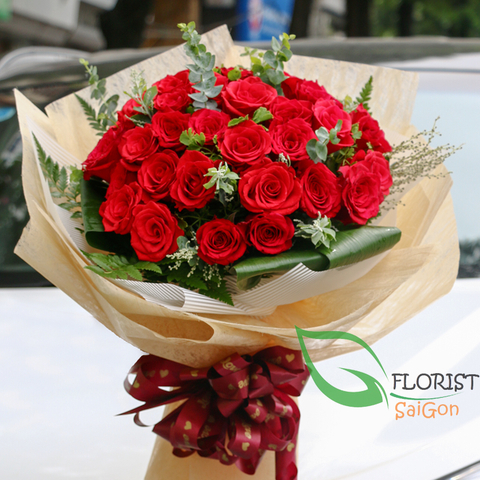 Saigon classic red roses bouquet