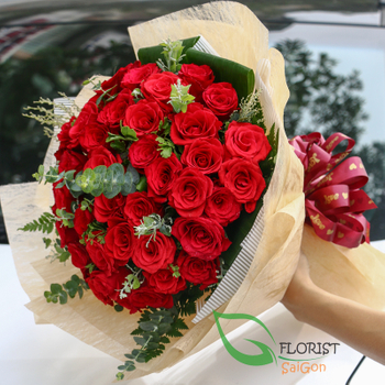 Saigon classic red roses bouquet delivery
