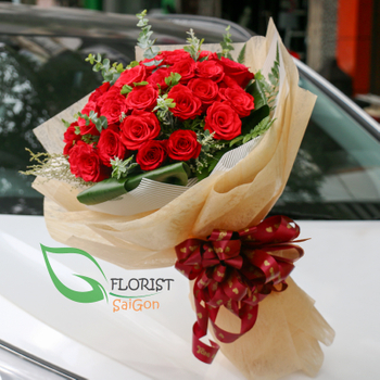 Saigon classic red roses bouquet in florist online