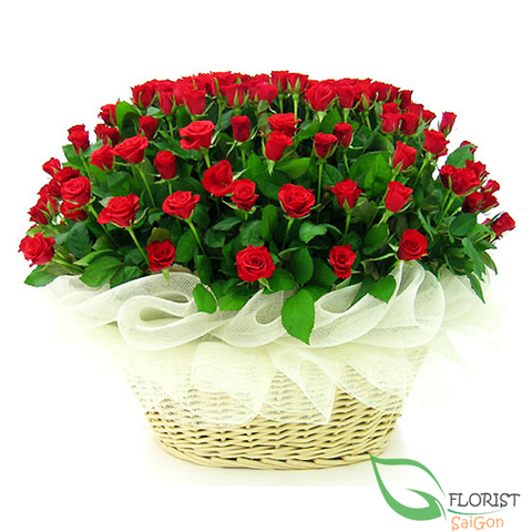 99 red roses arrangement