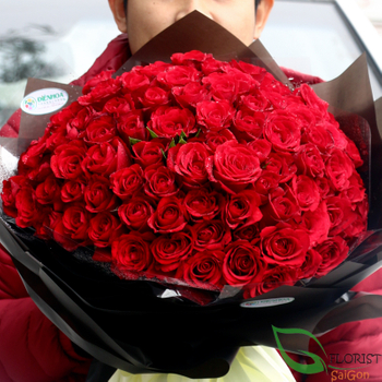 99 red roses bouquet in Saigon free delivery