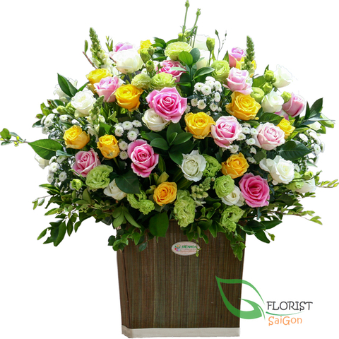 Saigon mixed roses basket