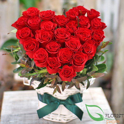Red rose heart shape
