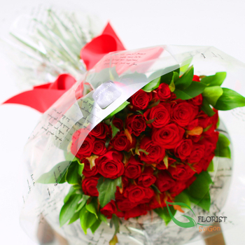 Red rose bouquet for Valentine's day delivery in Saigon