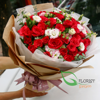 Beautiful love flowers for girlfriend