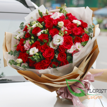 Beautiful love flowers for girlfriend in HCM city