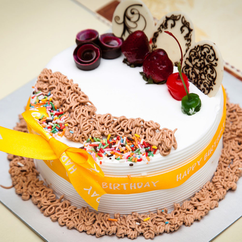 Send birthday cake to Ho Chi Minh city