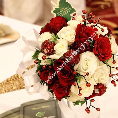 DELIVERY WEDDING BOUQUETS IN HCM