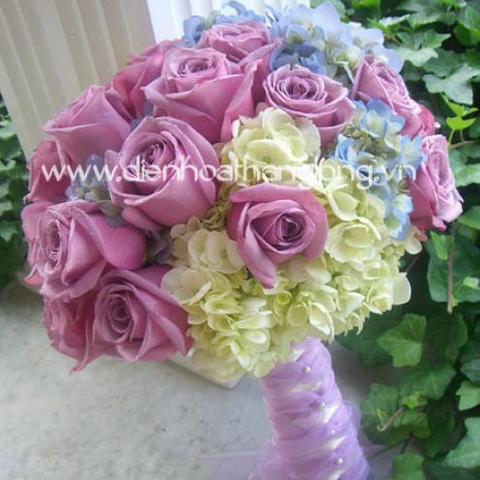 WEDDING BOUQUETS PURPLE