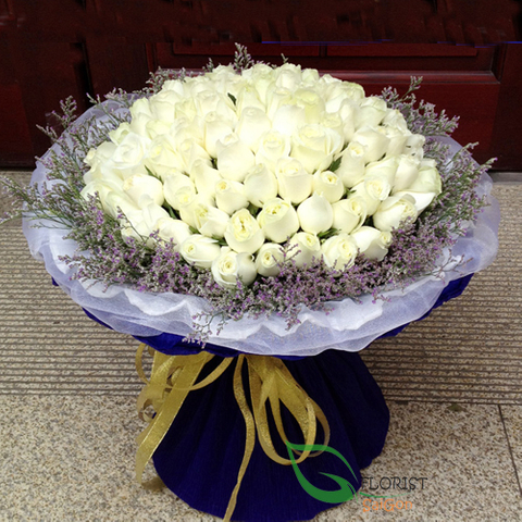 Vip flowers with white roses in Hochiminh