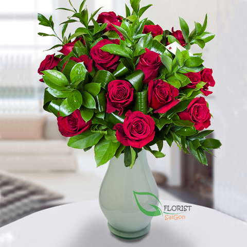 Red roses in vase for delivery in Saigon