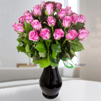 Saigon flowers in vase with pink roses