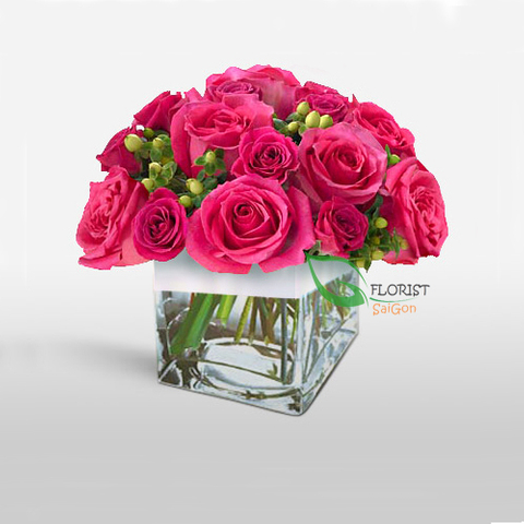 Flowers in vase free delivery Hochiminh city