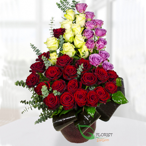 Buying flowers in vase online