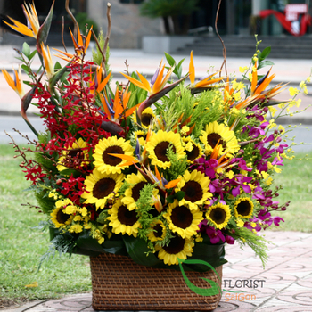 Saigon flower delivery free shipping district 1