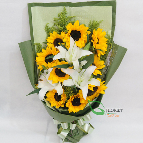 Bouquet of lilies with sunflower
