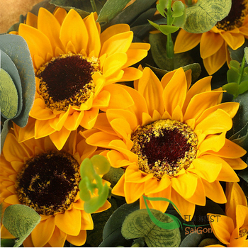Sunflowers bouquet for birthday in Hochiminh