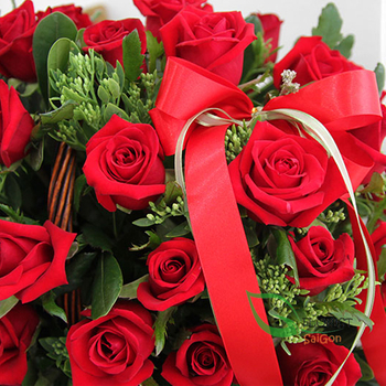 Love romantic from basket flowers Hochiminh city