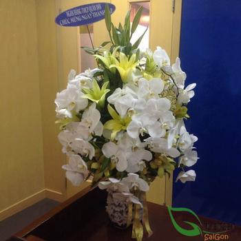 Vip flowers with white orchid in Saigon