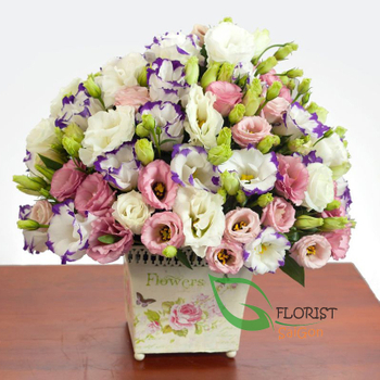 Basket of lisianthus flowers