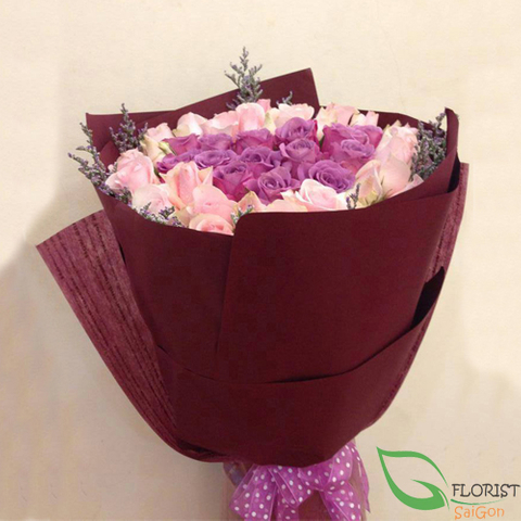 Violet rose bouquet
