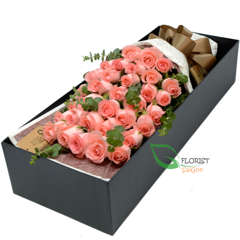 Send boxed flowers to Hochiminh city