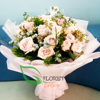 Roses bouquet free delivery in HCM