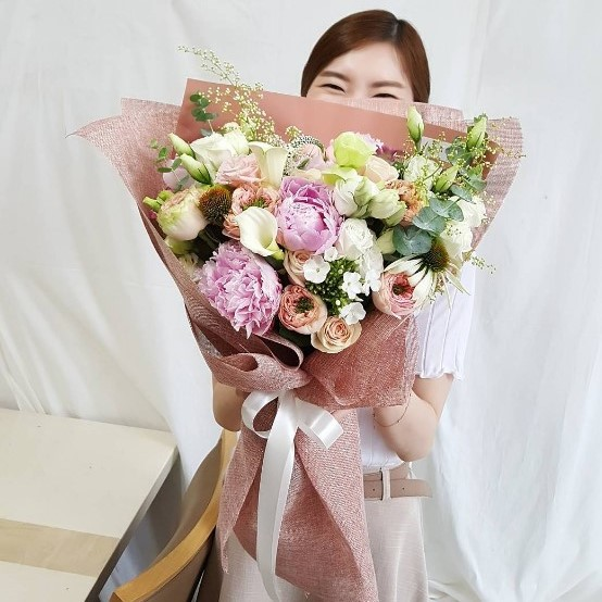 Online florist shop in Saigon, Vietnam