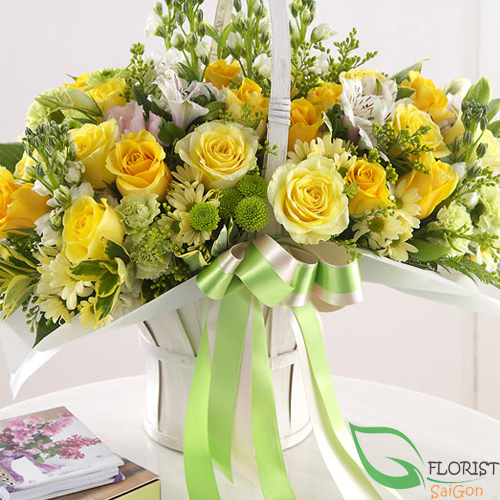 Yellow rose birthday arrangement in Hochiminh city