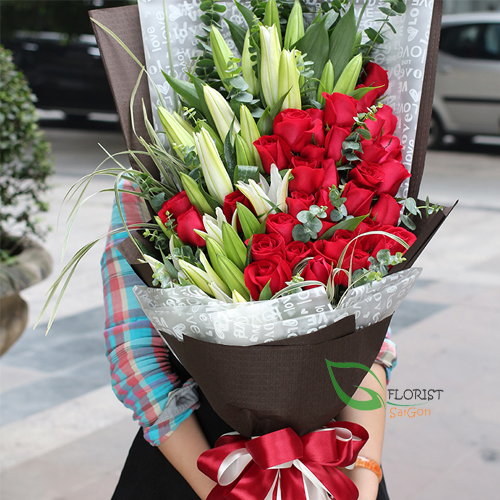Bouquet of lilies and roses in saigon