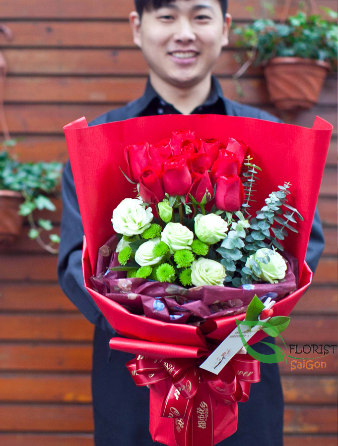 Send colorful flower bouquet to Hochiminh tity