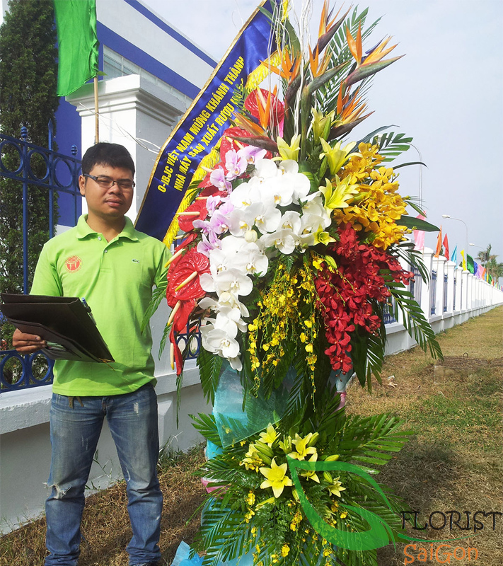 Fast delivery opening congratulations flowers in Saigon