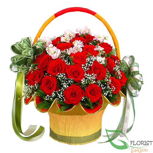 Red rose free delivery in florist saigon
