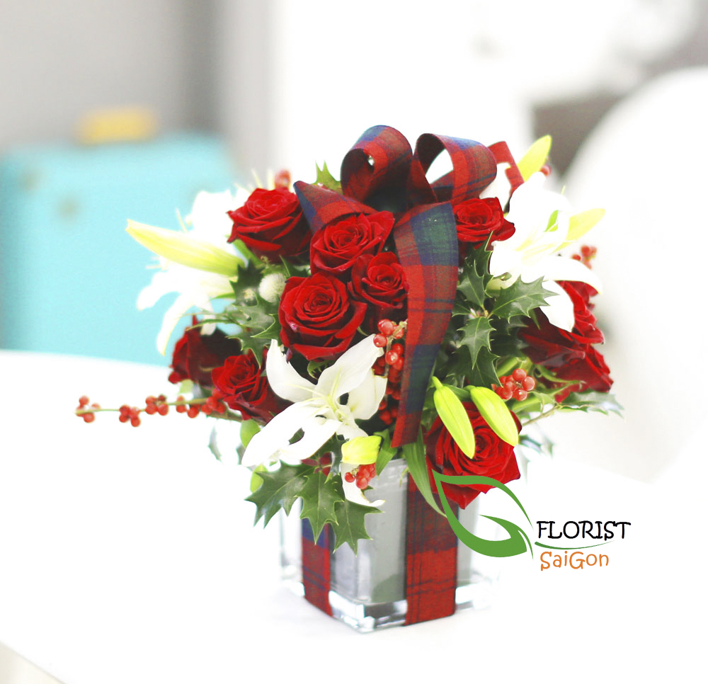 Saigon Christmas flowers gifts free delivery