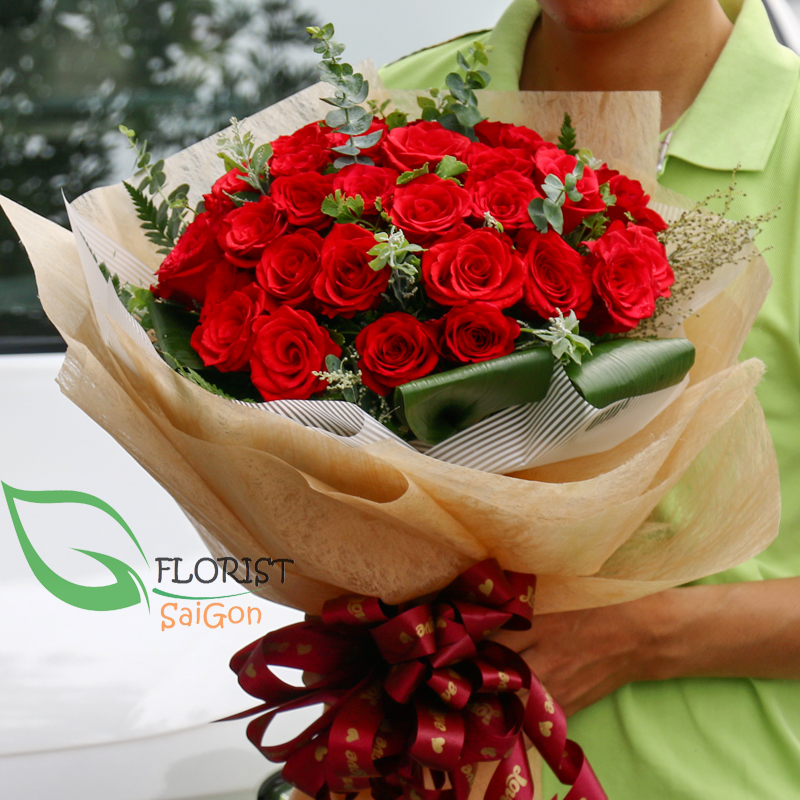 Saigon classic red rose bouquet
